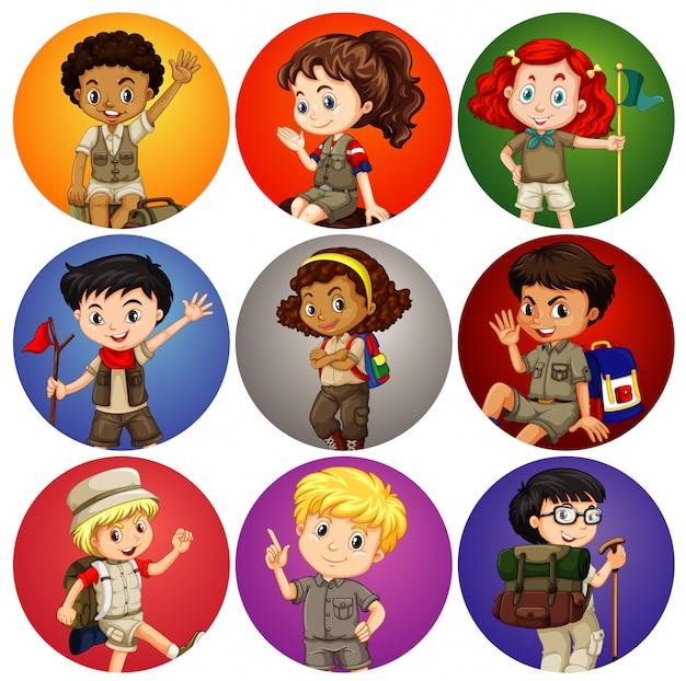 Niños en traje de safari en diferentes antecedentes vector gratuito