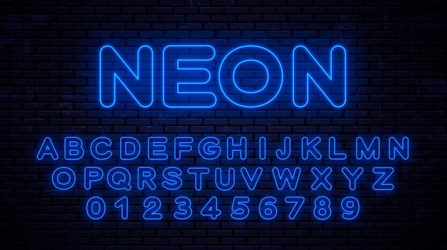 Números y letras mayúsculas azul neón. fuente brillante en tecnología de estilo Vector Premium