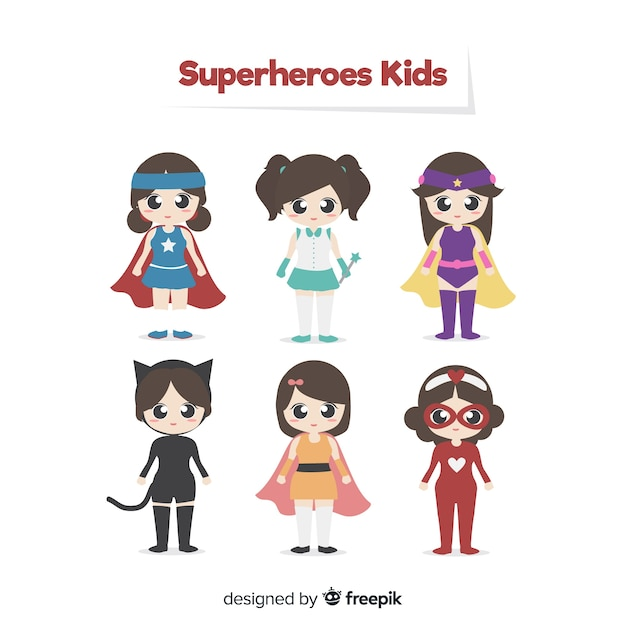 Pack de superheroes de niños vector gratuito