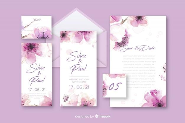 Papelería carta floral y sobre para boda en tonos violeta vector gratuito