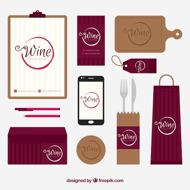 Papelería de vino con accesorios vector gratuito