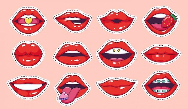 Pegatinas de labios pop art. insignias de labios cool vintage comic girl, parche de dibujos animados adolescentes, labios de caramelo con conjunto de iconos de ilustración de lápiz labial brillante de fresa. marcas de moda de boca femenina de los 80 y 90 Vector Premium