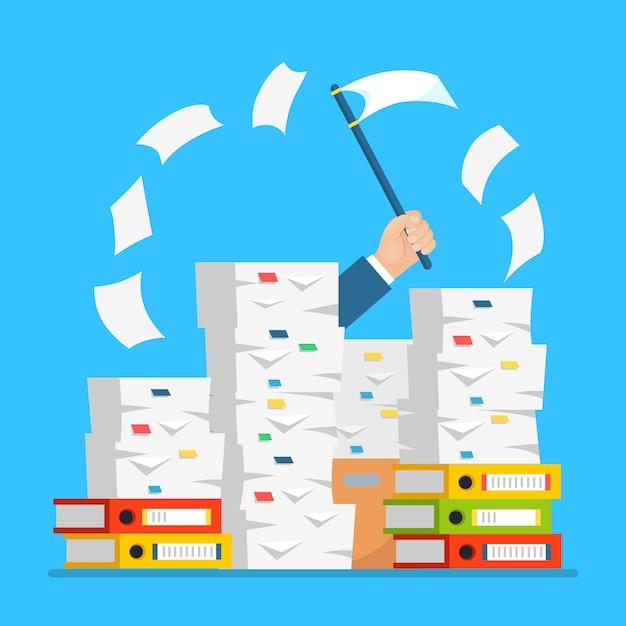 Pila de papel, pila de documentos con cartón, caja de cartón, carpeta. empleado estresado en montón de papeleo. hombre de negocios ocupado con señal de ayuda, bandera blanca. burocracia . Vector Premium
