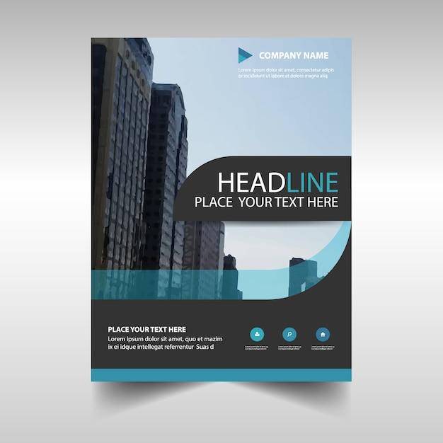 Plantilla azul claro abstracta de reporte anual corporativo Vector Gratis