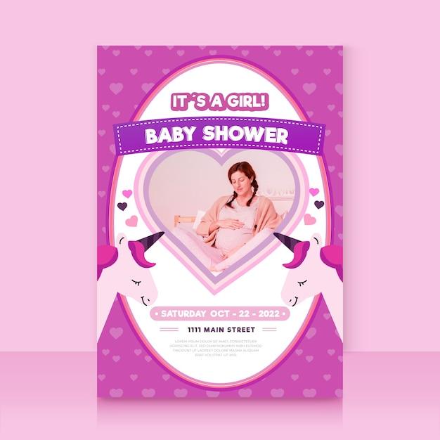 Plantilla de invitación de baby shower con foto vector gratuito