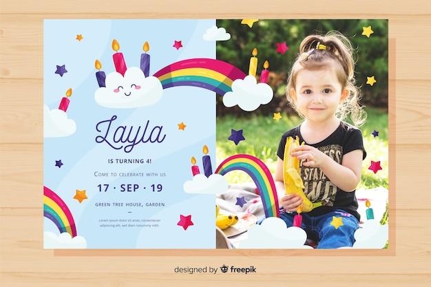 Plantilla de invitación de cumpleaños colorido vector gratuito