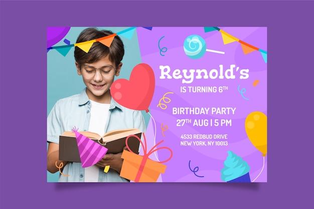 Plantilla de invitación de fiesta infantil con foto vector gratuito