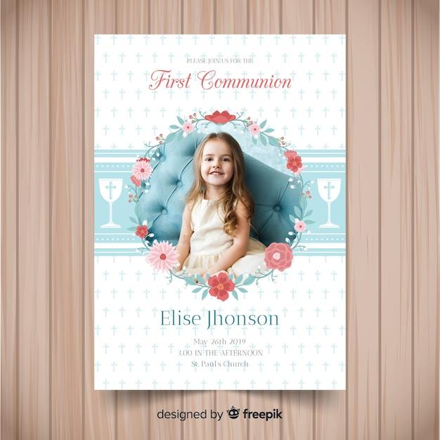 Plantilla de invitación de primera comunión con fotografía Vector Premium