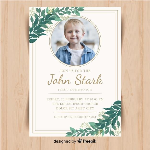 Plantilla de invitación de primera comunión con fotografía vector gratuito