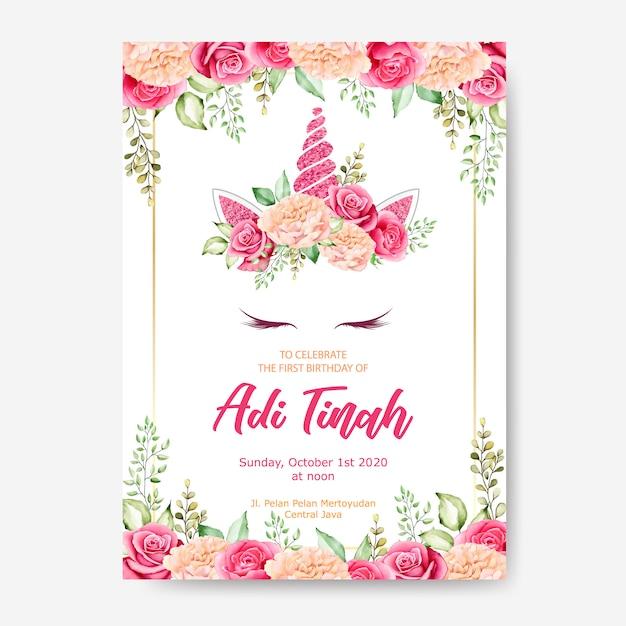 Plantilla de tarjeta de invitación de cumpleaños, lindo gráfico unicornio con corona de flores Vector Premium