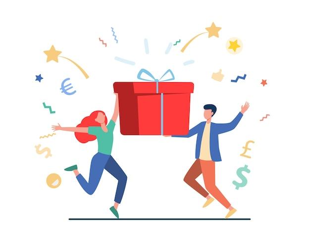 Premio ganador de pareja. hombre y mujer sosteniendo la ilustración de vector plano de caja de regalo. lotería, presente, fiesta de cumpleaños vector gratuito