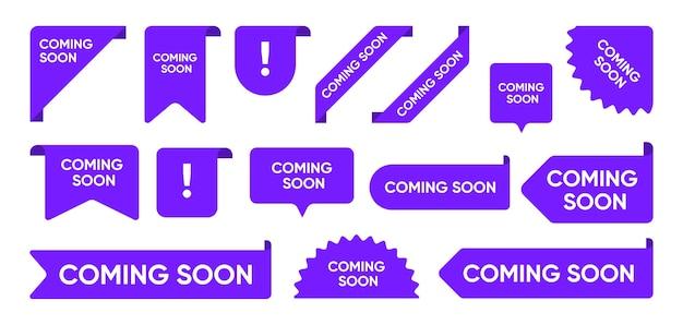 Próximamente conjunto de banners promocionales planos. gran venta brillante y esquinas de nueva llegada, pegatinas y etiquetas de etiquetas colección de ilustraciones vectoriales. concepto de signos y botones de cinta vector gratuito