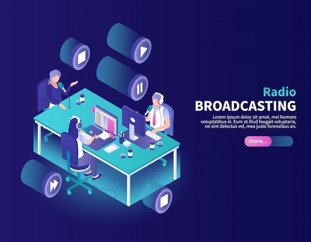 Radiodifusión en color con locutor y presentador de noticias en el lugar de trabajo isométrico vector gratuito
