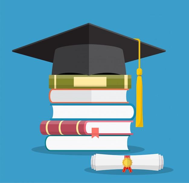 Tapa de graduación en libros apilados, Vector Premium