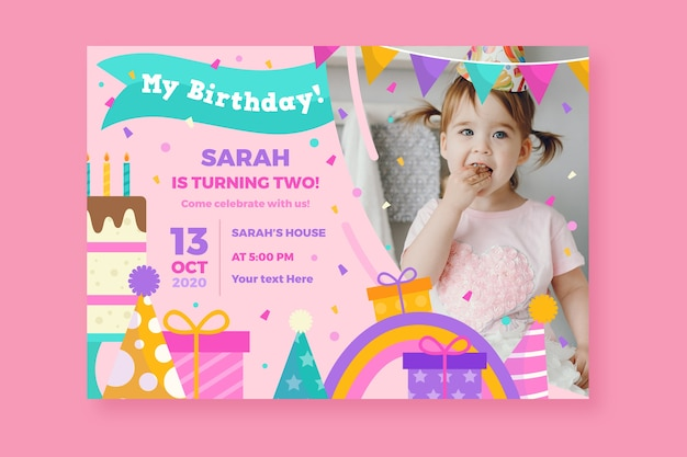 Tarjeta de cumpleaños para niños con linda niña y regalos vector gratuito