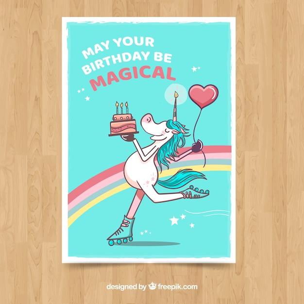 Tarjeta de cumpleaños con unicornio patinando vector gratuito
