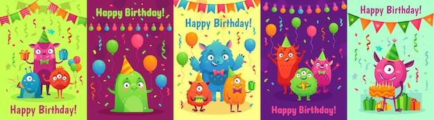 Tarjeta de felicitación de cumpleaños monstruo. monstruos con regalos de feliz cumpleaños, invitación para fiestas infantiles y conjunto de dibujos animados de monstruos amigables Vector Premium