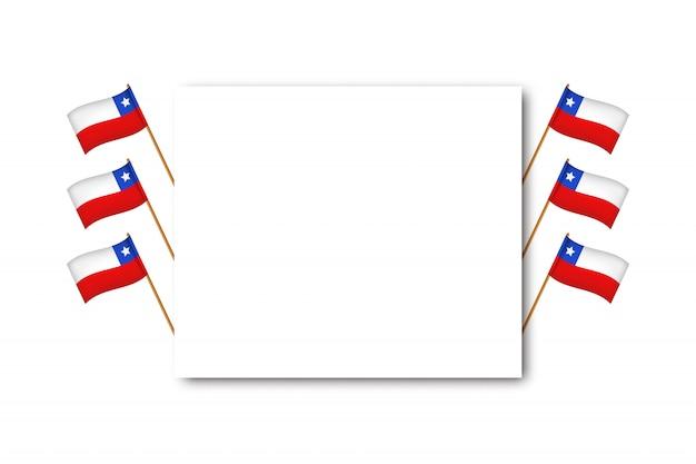 Tarjeta de felicitación realista con banderas para el día de la independencia de chile para decoración y revestimiento sobre fondo blanco. concepto de felices fiestas patrias. Vector Premium