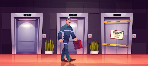 Técnico mecánico en ascensor roto con signo de precaución en las puertas del ascensor, servicio de reparación o mantenimiento vector gratuito