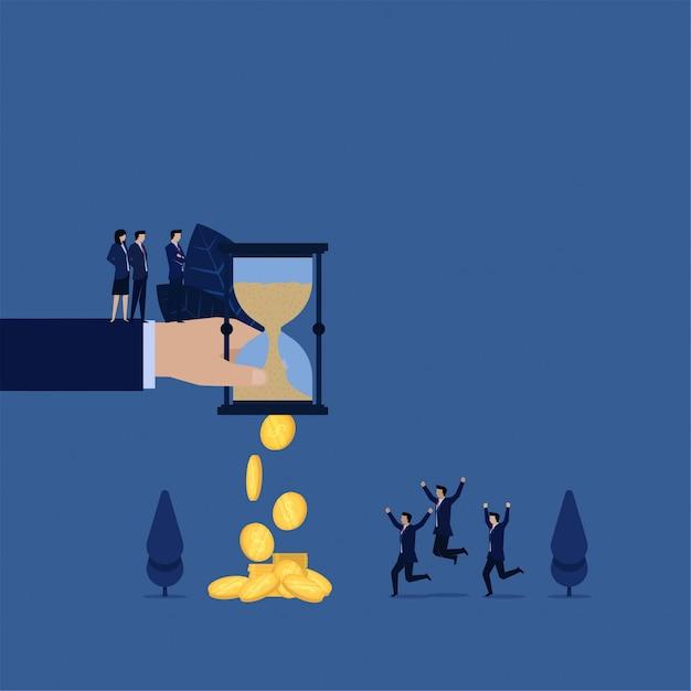 El tiempo de arena de negocios se convierte en monedas. la metáfora del tiempo es dinero. Vector Premium
