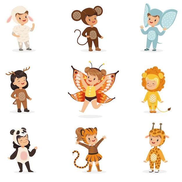 Tipos de disfraces de animales disfrazados felices y listos para la fiesta de disfraces de halloween colección de lindos bebés disfrazados Vector Premium