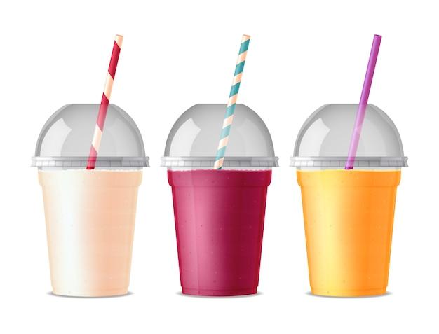 Tres vasos de plástico para bebidas de color para bebidas vector gratuito