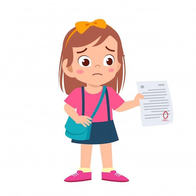 Triste niña tiene mala nota del examen Vector Premium