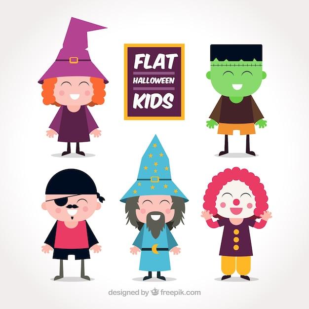 Varios niños disfrazados para halloween   Descargar Vectores gratis
