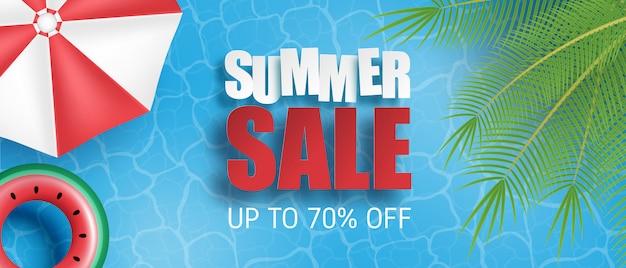 Venta de verano pancarta o póster. piscina con palmeras, sombrilla, anillo de natación desde la vista superior. plantilla de promoción comercial para la temporada de verano. Vector Premium