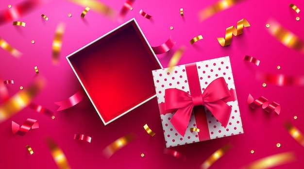Vista superior de la caja de regalo abierta vacía para el día de san valentín Vector Premium