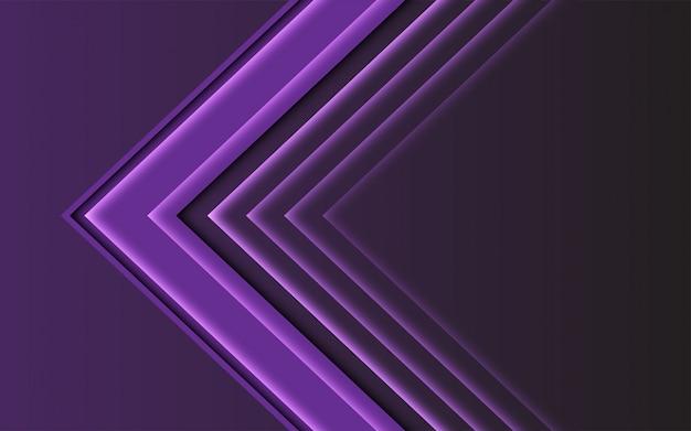 Abstrakte purpurrote helle pfeilrichtung auf dunklen modernen futuristischen hintergrund. Premium Vektoren
