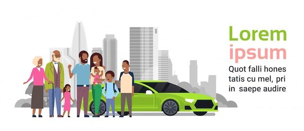 Afrofamilie mit grüner autofahnenschablone Premium Vektoren