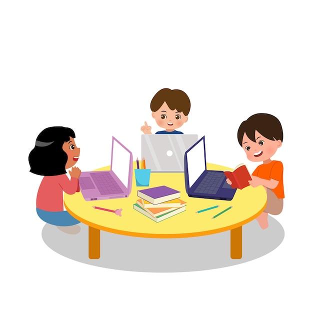 Aktivität der schularbeitsgruppe. grundschulkinder forschen gemeinsam für die heimarbeit zusammen mit laptop und büchern. jungen und mädchen diskutieren. wohnung lokalisiert auf weißem hintergrund. Premium Vektoren