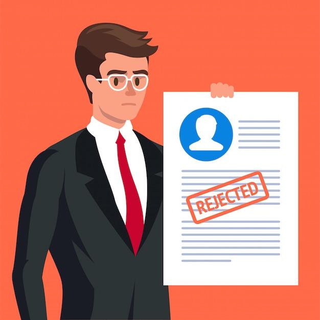 Antragsformular. trauriger mann und abgelehntes antragsformular Premium Vektoren