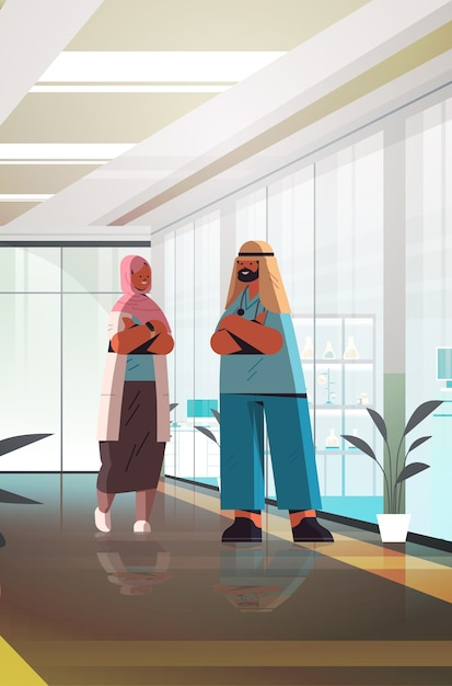 Arabische ärztepaar in uniform stehend zusammen mann frau medizinische fachkräfte diskutieren während des treffens medizin gesundheitswesen konzept klinik innen vertikale vertikale länge vektor-illustration Premium Vektoren
