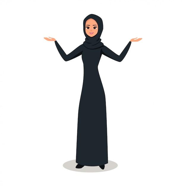Arabische frau mit hijab, der etwas mit zwei händen darstellt Premium Vektoren