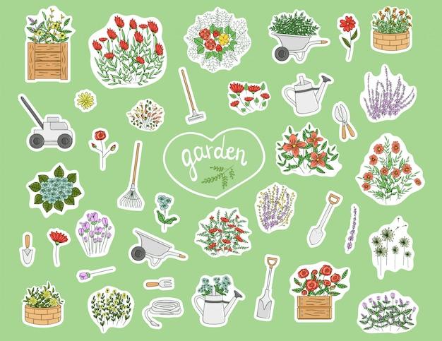 Aufkleber mit gartengeräten, blumen, kräutern und pflanzen Premium Vektoren