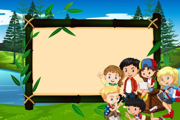 Banner mit kindern im park Kostenlosen Vektoren