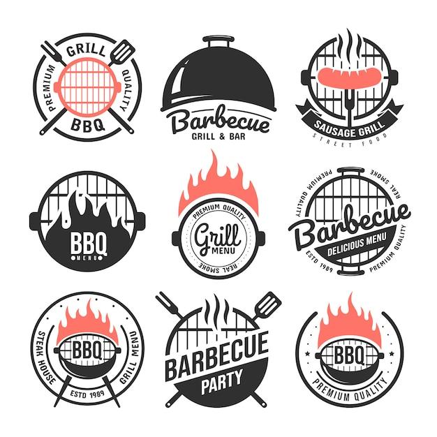 Barbecue und grill etiketten festgelegt. Premium Vektoren