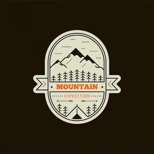 Bergexpeditionsabzeichen. schwarzweiss-linienillustration. klettern, trekking, wandern emblem Premium Vektoren
