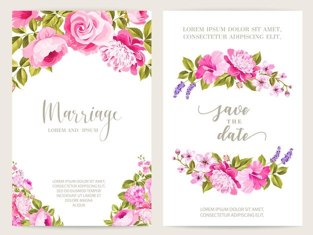 Blühende rosen- und lavendelhochzeitsrahmenkarte. Kostenlosen Vektoren