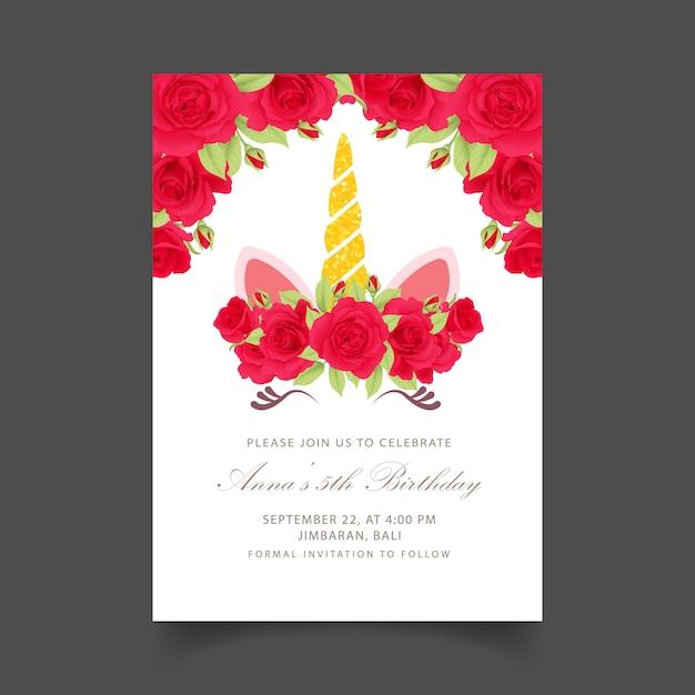 Blumenkinder-geburtstagseinladung mit niedlichem einhorn Premium Vektoren