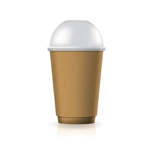 Braune kaffee-teetasse aus kraftpapier-kunststoff mit klarem kuppeldeckel in mittelgroßer schablone. Premium Vektoren