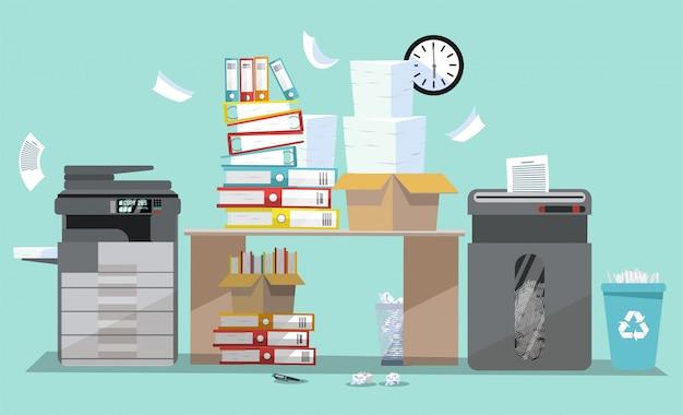 Büroinnenraum mit multifunktionsdruckerscanner und -reißwolf. kopierer mit fliegendem papier. Premium Vektoren