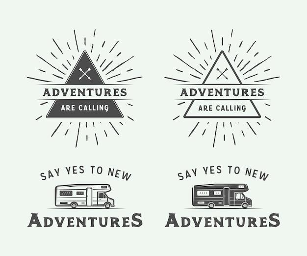 Camping im freien und abenteuer abzeichen Premium Vektoren