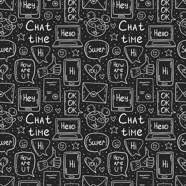 Chat-zeit kreidezeichnung design, gekritzel, vektor-clipart, satz von elementen, nahtloses muster, symbole. sprechblase, nachricht, emoji, brief, gadget. weißes monochromes design. auf dunklem hintergrund isoliert. Premium Vektoren