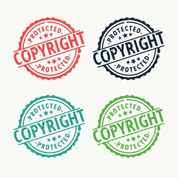 Copyright abzeichen stempel in verschiedenen farben eingestellt Kostenlosen Vektoren