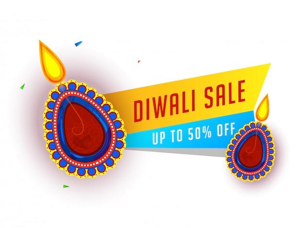 Diwali sale banner design mit 50% rabatt angebot und beleuchteten öllampen (diya) Premium Vektoren