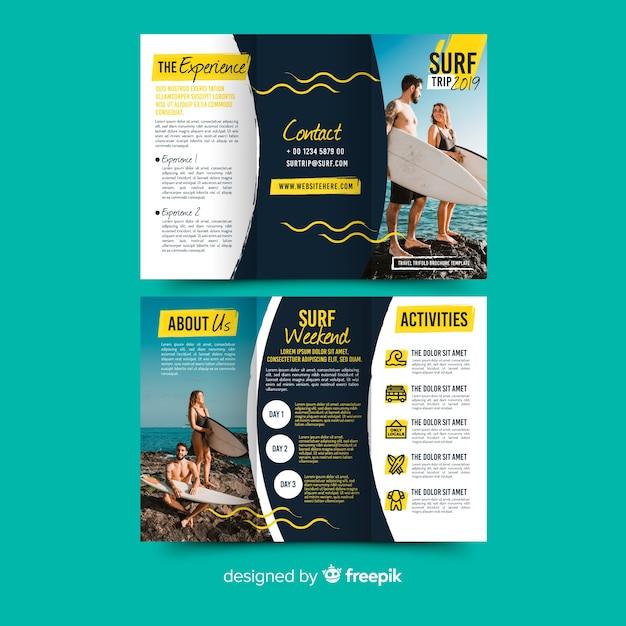 Dreifach gefaltete broschüre Kostenlosen Vektoren