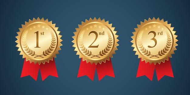 Ein satz gewinnende medaillenabzeichen mit rotem band Premium Vektoren